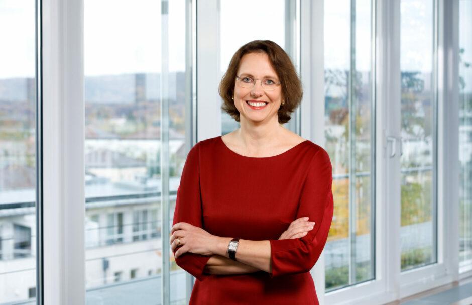 Irene Dullinger übernimmt Vorstandsvorsitz der Sparkasse Regensburg